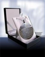 Квантовая подвеска из металла цвета Silver